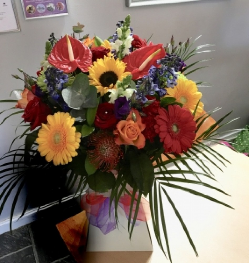Flower deliver aberdeen by dolce vita inverurie view vibrant contemporary izmirmasajfo