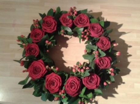 12 Red Rose Wreath (12