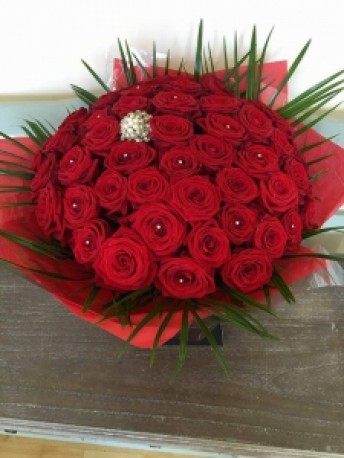 50 Luxury or Standard Red Roses